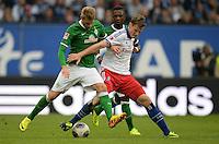 FUSSBALL   1. BUNDESLIGA   SAISON 2013/2014   6. SPIELTAG Hamburger SV - Eintracht Braunschweig                  21.09.2013 Aaron Hunt (li, SV Werder Bremen) gegen Marcell Jansen (re, Hamburger SV)