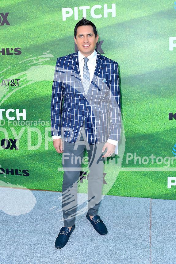 Francisco Rivera bei der Premiere der FOX TV-Serie 'Pitch' auf dem West LA Little League Field. Los Angeles, 13.09.2016