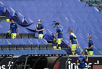 Spieler vom SC Paderborn gehen auf die Ersatzbank<br /> - 27.06.2020: Fussball Bundesliga, Saison 19/20, Spieltag 34, Eintracht Frankfurt vs. SC Paderborn 07, emonline, emspor, Namen v.l.n.r. <br /> <br /> Foto: Marc Schueler/Sportpics.de/Pool <br /> Nur für journalistische Zwecke. Only for editorial use. (DFL/DFB REGULATIONS PROHIBIT ANY USE OF PHOTOGRAPHS as IMAGE SEQUENCES and/or QUASI-VIDEO)