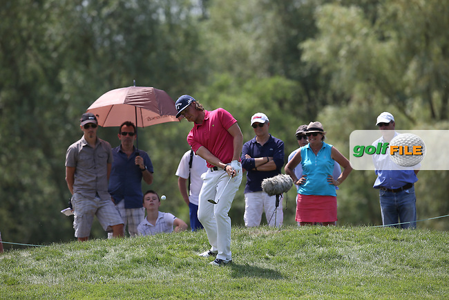 Kristoffer Broberg (SWE) chips on to the 3rd during Round Three of the 2015 Alstom Open de France, played at Le Golf National, Saint-Quentin-En-Yvelines, Paris, France. /04/07/2015/. Picture: Golffile | David Lloyd<br /> <br /> All photos usage must carry mandatory copyright credit (&copy; Golffile | David Lloyd)