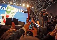 NAPOLI, 21/02/2013 COMIZIO ELETTORALE IN PIAZZA DEL PLEBISCITO DI PIERLUIGI BERSANI CANDIDATO PREMIER CENTROSINISTRA ELEZIONI POLITICHE 2013 . NELLA FOTO FOTO CIRO DE LUCA