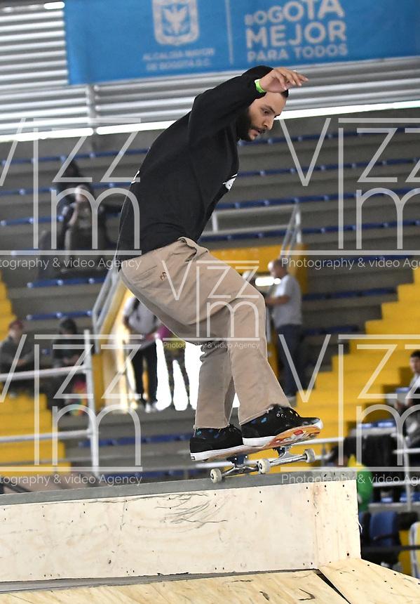 BOGOTA - COLOMBIA - 12 - 08 - 2017: Sebastian Gonzalez, Skater de Colombia, durante competencia en el Primer Campeonato Panamericano de Skateboarding, que se realiza en el Palacio de los Deportes en la Ciudad de Bogota. / Sebastian Gonzalez, Skater from Colombia, during a competitions in the First Pan American Championship of Skateboarding, that takes place in the Palace of Sports in the City of Bogota. Photo: VizzorImage / Luis Ramirez / Staff.