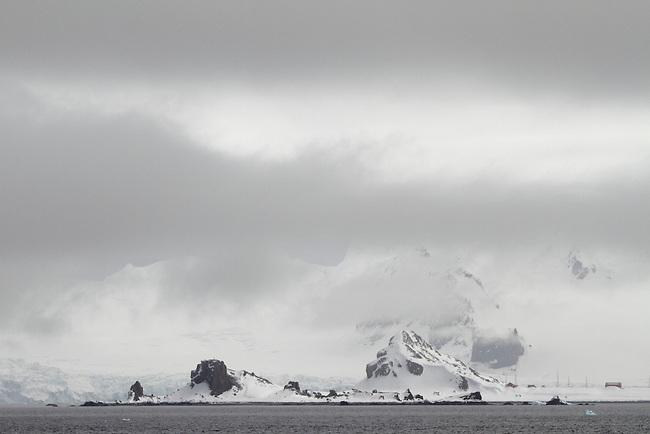 Half Moon Island, Half Moon Bay, Livingston Island. Antarctica