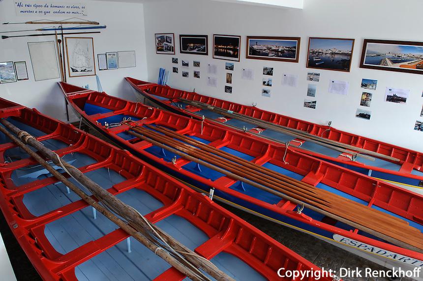 Walfangboote im Museum,  Sao Mateus de Calheta auf der Insel Terceira, Azoren, Portugal