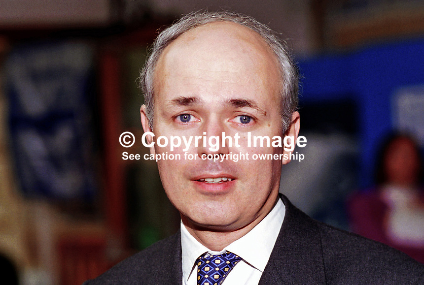 Iain Duncan Smith, Conservative Party, MP, Britain, UK. Taken at 1995 Conservative Conference in Blackpool. Ref: 199510020..Copyright Image from Victor Patterson, 54 Dorchester Park, Belfast, UK, BT9 6RJ..Tel: +44 28 9066 1296.Mob: +44 7802 353836.Voicemail +44 20 8816 7153.Skype: victorpattersonbelfast.Email: victorpatterson@mac.com.Email: victorpatterson@ireland.com (back-up)..IMPORTANT: If you wish to use this image or any other of my images please go to www.victorpatterson.com and click on the Terms & Conditions. Then contact me by email or phone with the reference number(s) of the image(s) concerned.