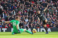 Burnley's Ashley Westwood sees his early effort saved by Arsenal's Bernd Leno<br /> <br /> Photographer David Shipman/CameraSport<br /> <br /> The Premier League - Arsenal v Burnley - Saturday 22nd December 2018 - The Emirates - London<br /> <br /> World Copyright © 2018 CameraSport. All rights reserved. 43 Linden Ave. Countesthorpe. Leicester. England. LE8 5PG - Tel: +44 (0) 116 277 4147 - admin@camerasport.com - www.camerasport.com