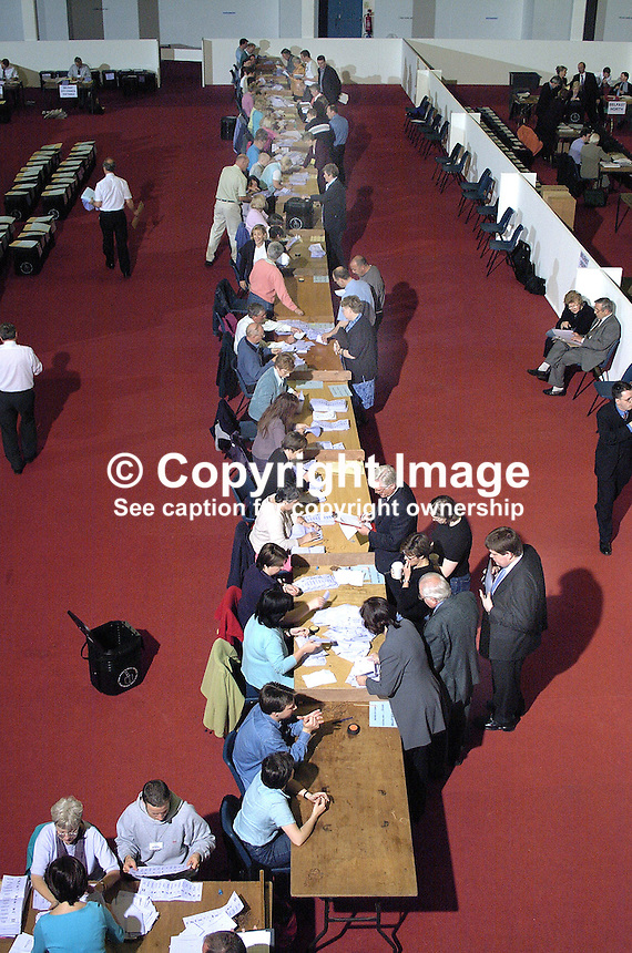 June 2001 UK General Election / Local Government count at the King's Hall, Belfast, N Ireland. Ref: 2001062253..Copyright Image from Victor Patterson, 54 Dorchester Park, Belfast, UK, BT9 6RJ..Tel: +44 28 9066 1296.Mob: +44 7802 353836.Voicemail +44 20 8816 7153.Skype: victorpattersonbelfast.Email: victorpatterson@mac.com.Email: victorpatterson@ireland.com (back-up)..IMPORTANT: If you wish to use this image or any other of my images please go to www.victorpatterson.com and click on the Terms & Conditions. Then contact me by email or phone with the reference number(s) of the image(s) concerned.
