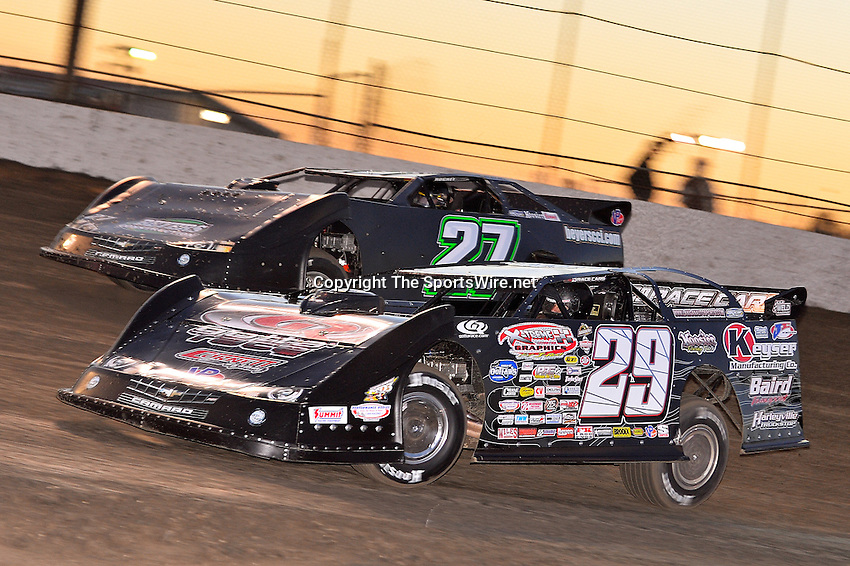 Feb 17, 2014; 6:22:31 PM;  Barberville, FL, USA;  World of Outlaws Late Model Series for 43rd Annual DIRTcar Nationals presented by Summit Racing Equipment at Volusia Speedway Park.  Mandatory Credit: (thesportswire.net)