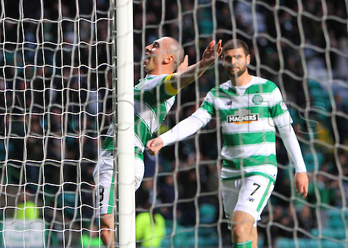 25.10.2015. Glasgow, Scotland. Scottish Premier League. Celtic versus Dundee United. Scott Brown celebrates the fifth goal of the game
