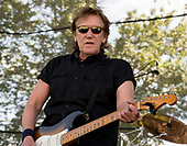 JOHN CAFFERTY AND THE BEAVER BROWN BAND (2017)
