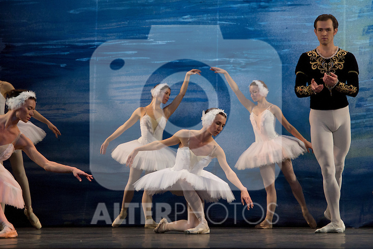 "09.04.2012. The Russian Classical Ballet bids farewell to our country with a unique performance of ""Swan Lake"" at the Teatro Lope de Vega. Ballet in two acts and four scenes. It was an initiative by Evgeniya Bespalova. Music: Tchaikovsky Pyotrilyich. Libretto: Vladimir Begichev and Vasily Geltzer. Choreography: Marius Petipa and Lev Ivanov. Set Design: Evgeny Gurenko. Costume Designer: Irina Ivanova. (Alterphotos/Marta Gonzalez)"