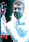 Jun 25, 2005: OASIS - Glastonbury Festival Day 2
