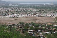 Panorámica del Sur de la ciudad vista desde uno de los cerros vecinos de la invasión Altares.