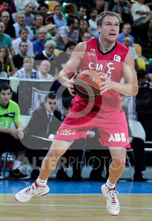 Caja Laboral's Brad Oleson during Supercopa ACB Semifinal match.September 30,2011. (ALTERPHOTOS/Acero)