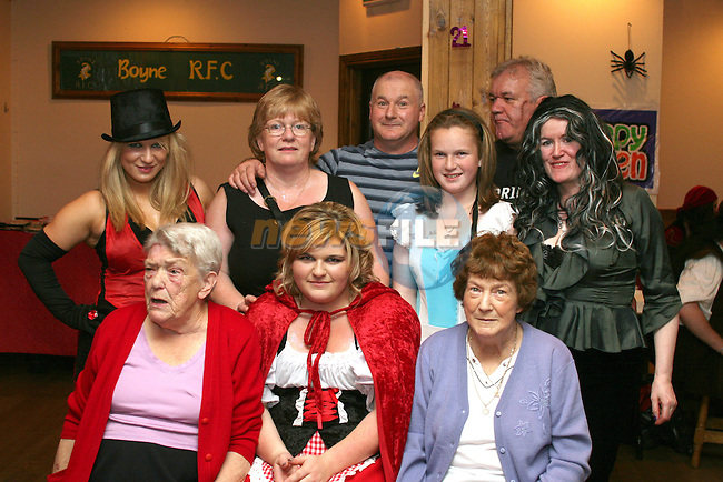Leanne Vaughey with her family at her 21st in The Rugby Club...Photo NEWSFILE/Jenny Matthews.(Photo credit should read Jenny Matthews/NEWSFILE)....This Picture has been sent you under the condtions enclosed by:.Newsfile Ltd..The Studio,.Millmount Abbey,.Drogheda,.Co Meath..Ireland..Tel: +353(0)41-9871240.Fax: +353(0)41-9871260.GSM: +353(0)86-2500958.email: pictures@newsfile.ie.www.newsfile.ie.FTP: 193.120.102.198.