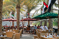 United Arab Emirates, Dubai: Al fresco dining in the Madinat Jumeriah