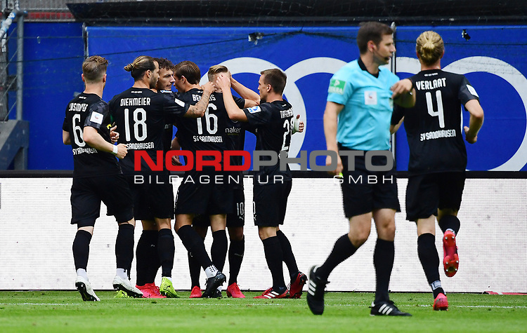 0:2 Tor, Jubel, v.l. Denis Linsmayer, Dennis Diekmeier, Leart Paqarada, Torschuetze Kevin Behrens, Julius Biada, Emanuel Taffertshofer (Sandhausen)<br /> Hamburg, 28.06.2020, Fussball 2. Bundesliga, Hamburger SV - SV Sandhausen<br /> Foto: VWitters/Witters/Pool//via nordphoto<br />  DFL REGULATIONS PROHIBIT ANY USE OF PHOTOGRAPHS AS IMAGE SEQUENCES AND OR QUASI VIDEO<br /> EDITORIAL USE ONLY<br /> NATIONAL AND INTERNATIONAL NEWS AGENCIES OUT