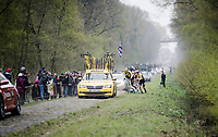 After sustaining a mechanical in the infamous (Trouée d')Arenberg Forest, Wout Van Aert (BEL/Jumbo-Visma) is handed a new bike from his teammate > losing touch with the front group & a minute in the process<br /> <br /> 117th Paris-Roubaix 2019 (1.UWT)<br /> One day race from Compiègne to Roubaix (FRA/257km)<br /> <br /> ©kramon
