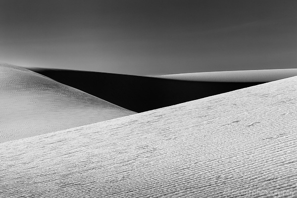 curves and angles in the sand