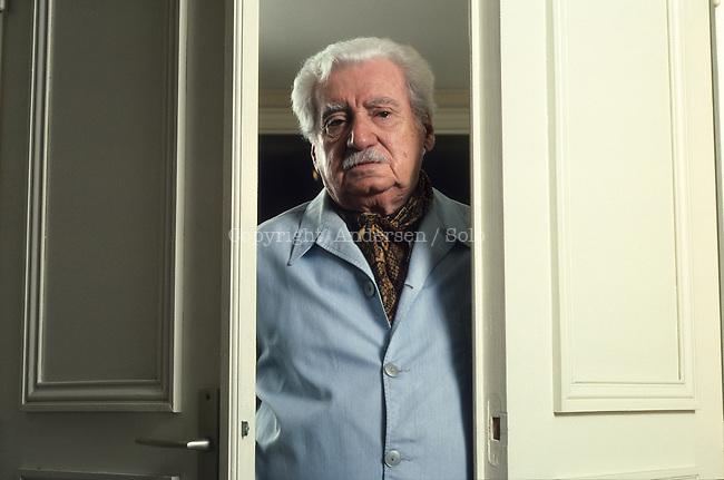 Jorge Amado, At home in Paris.
