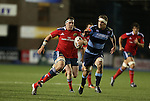Munster number 8 Robin Copeland tries to get away from Blues lock Jarrad Hoeata.<br /> Guiness Pro12<br /> Cardiff Blues v Munster<br /> Cardiff Arms Park<br /> 01.11.14<br /> ©Steve Pope-SPORTINGWALES