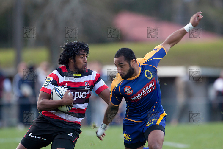 Ahsee Tuala cuts back inside his opposite Fetuú Vainikolo. ITM Cup Round 1 game between the Counties Manukau Steelers and Otago, played at Bayer Growers Stadium, Pukekohe, on Saturday July 31st 2010. Counties Manukau Steelers won 29 - 13 after leading 22 - 6 at halftime.