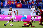 Yaseen Mahmoud Bakheet of Jordan (L) fights for the ball with Nguyen Trong Hoang of Vietnam (R) during the AFC Asian Cup UAE 2019 Round of 16 match between Jordan (JOR) and Vietnam (VIE) at Al Maktoum Stadium on 20 January 2019 in Dubai, United Arab Emirates. Photo by Marcio Rodrigo Machado / Power Sport Images