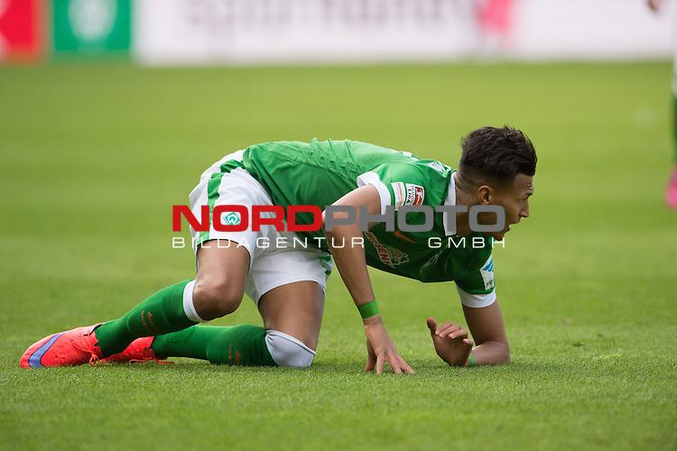 04.04.2015, Weser Stadion, Bremen, GER, 1.FBL. Werder Bremen vs 1. FSV Mainz 05, im Bild<br /> <br /> <br /> Davie Selke (Bremen #27)<br /> Querformat,<br /> auf dem Boden liegend<br /> Einzelaktion, Halbk&ouml;rper / Halbk&ouml;rper, <br /> <br /> <br /> Foto &copy; nordphoto / Kokenge