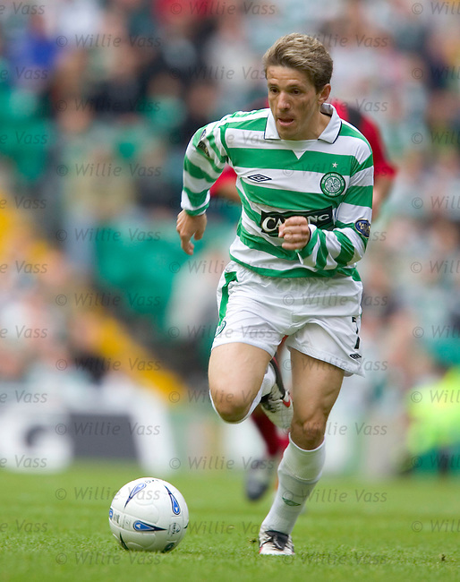 Juninho, Celtic.stock season 2004-2005.pic willie vass