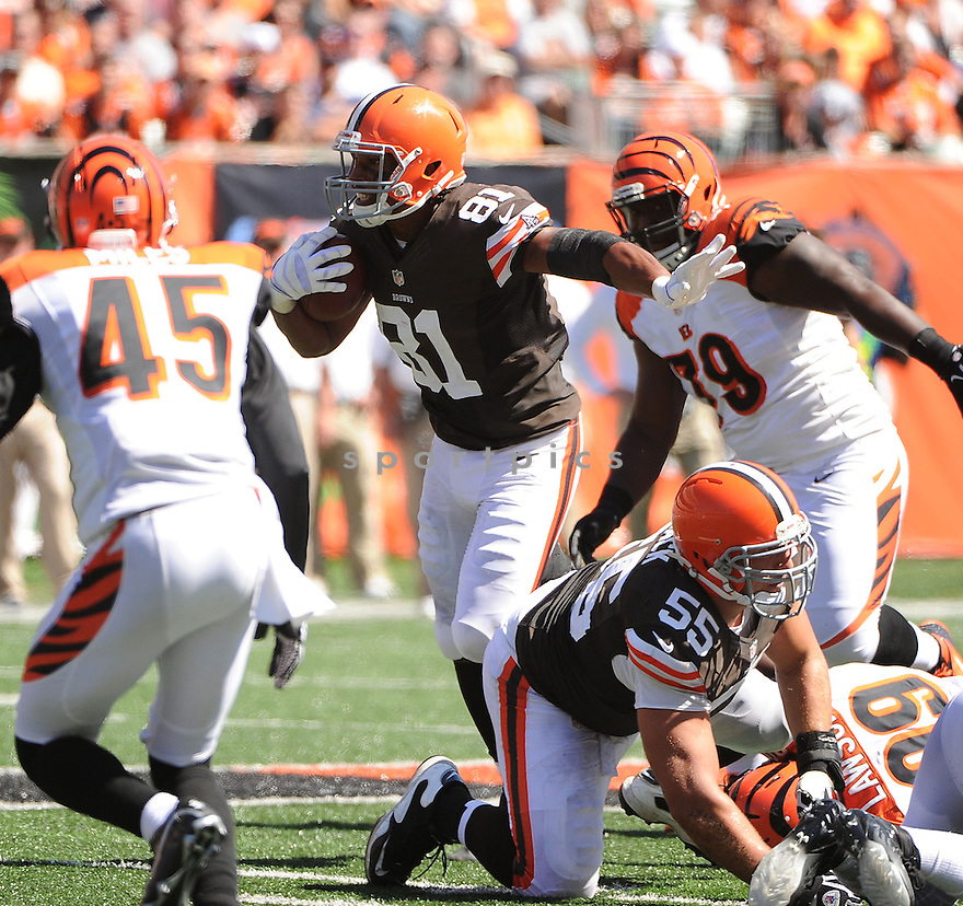 Cleveland Browns Alex Smith (81) in action during a game against the Cincinnati Bengals on September 16, 2012 at Paul Brown Stadium in Cincinnati, OH. The Bengals beat the Browns 34-27.