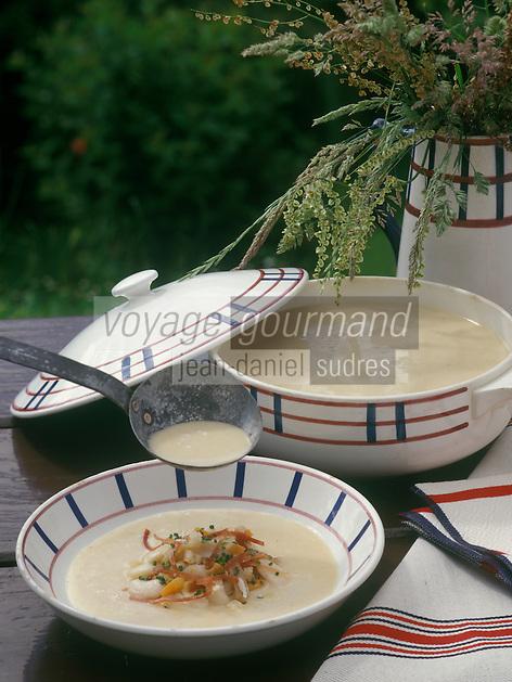 Europe/France/Aquitaine/64/Pyrénées-Atlantiques/Larrau : Crème de haricots de maïs aux croûtons et ventrèche grillée - Recette de P Etchémaité
