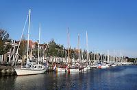 Boten in de Noorderhaven in Harlingen