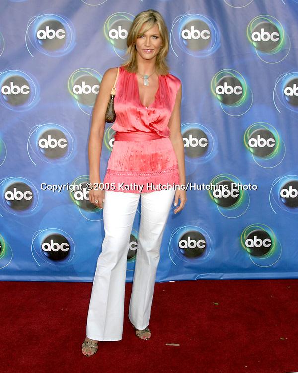 Natasha Henstridge.ABC TCA Party.The Abby.W. Hollywood, CA.July 27, 2005.©2005 Kathy Hutchins/Hutchins Photo..