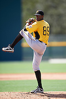 Pittsburgh Pirates pitcher Leandro Pina (89) during an Instructional League Intrasquad Black & Gold game on September 20, 2016 at Pirate City in Bradenton, Florida.  (Mike Janes/Four Seam Images)