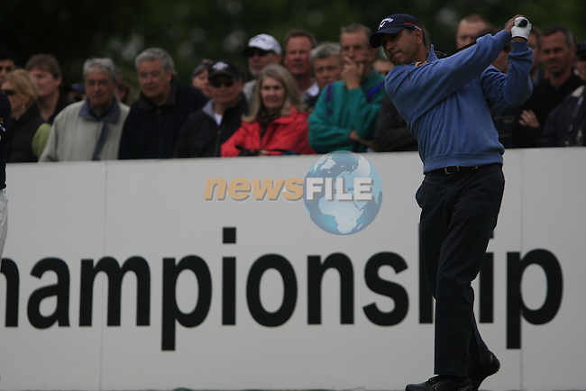 Jeev Milkha Singh (IND) tees off on the 1st tee to start his round on Day 2 of the BMW PGA Championship Championship at, Wentworth Club, Surrey, England, 27th May 2011. (Photo Eoin Clarke/Golffile 2011)