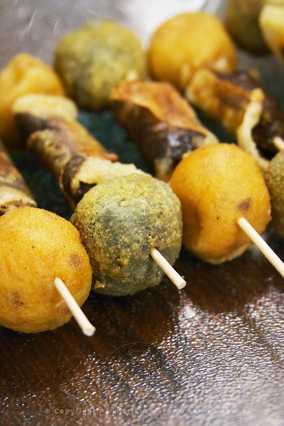 molecular cooking style tapas Restaurant La Garrocha Valladolid spain castile and leon