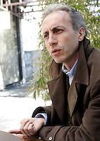 Il giornalista Marco Travaglio durante un'intervista a Roma, 13 marzo 2009..Italian journalist Marco Travaglio speaks during an interview in Rome, 13 march 2009..UPDATE IMAGES PRESS/Riccardo De Luca