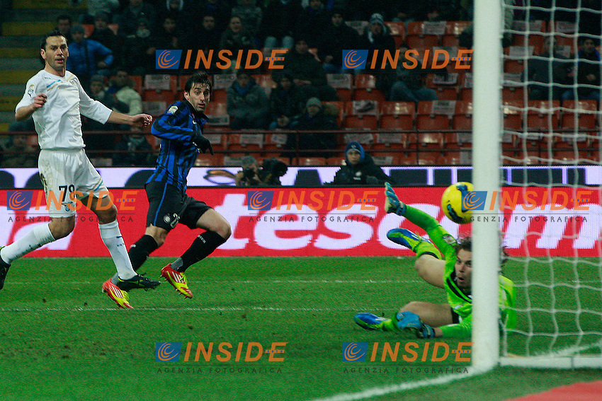 """Il gol di Diego Milito Inter.goal.Milano 22/01/2012 Stadio """"S.Siro"""".Football / Calcio Serie A 2011/2012.Inter vs Lazio.Foto Insidefoto Paolo Nucci"""