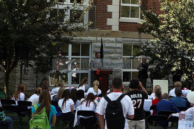 University of Kentucky Journalism Professor, Buck Ryan, addresses attendees of the 2010 Constitution Day. Photo by Ryan Buckler | Staff