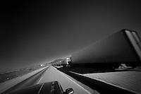 Poste-frontière de Silopi entre la Turquie et l'Irak. Il y a une file de camion sur près de 15 km, il leur faut en moyenne une semaine pour traverser.<br /> <br /> There is a line of truck near 15 km, they have one week on average to cross.