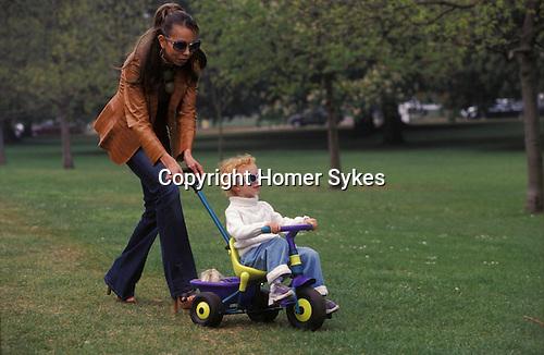 Angela and Anna ( 3yrs old ) Ermakowa. London, England. Love child of Boris Becker. 2003. Hyde Park.
