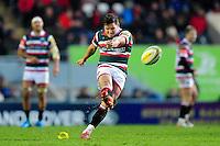Freddie Burns of Leicester Tigers kicks for the posts. Aviva Premiership match, between Leicester Tigers and Harlequins on November 20, 2016 at Welford Road in Leicester, England. Photo by: Patrick Khachfe / JMP