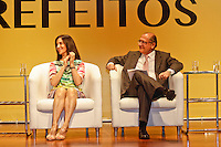 SÃO PAULO, 14 DE MARÇO 2013 - ENCONTRO DE PREFEITOS DO ESTADO DE SÃO PAULO - Lu Alckmin e Geraldo Alckmin durante evento que reuniu Prefeitos do Estado de São Paulo, no Memorial da América Latina, Barra Funda, zona oeste da capital, na manhã desta quinat-feira(14) - FOTO: LOLA OLIVEIRA/BRAZIL PHOTO PRESS