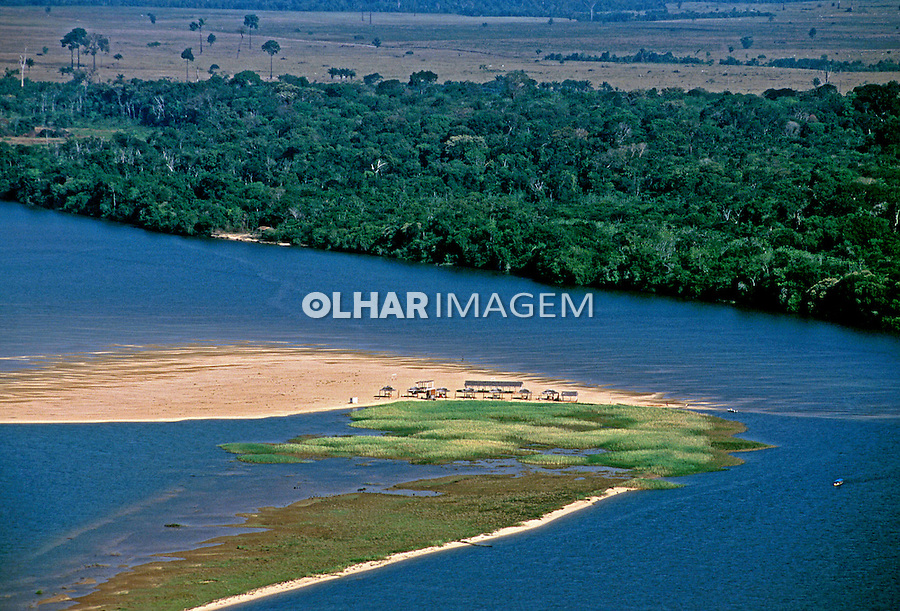 Praia fluvials em Baixio, no Rio Xingú, Pará. 2002.  Foto de Renata Mello.
