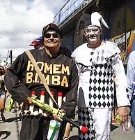 RECIFE-PE-06.02.2016- CARNAVAL-PE - Foliões se divertem durante o Galo da Madrugada, maior bloco de carnaval do mundo, no centro de Recife, neste sábado, 06. (Foto: Jean Nunes/Brazil Photo Press)