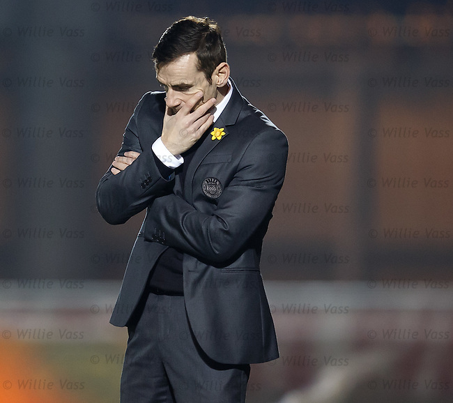 Danny Lennon dejection at full-time