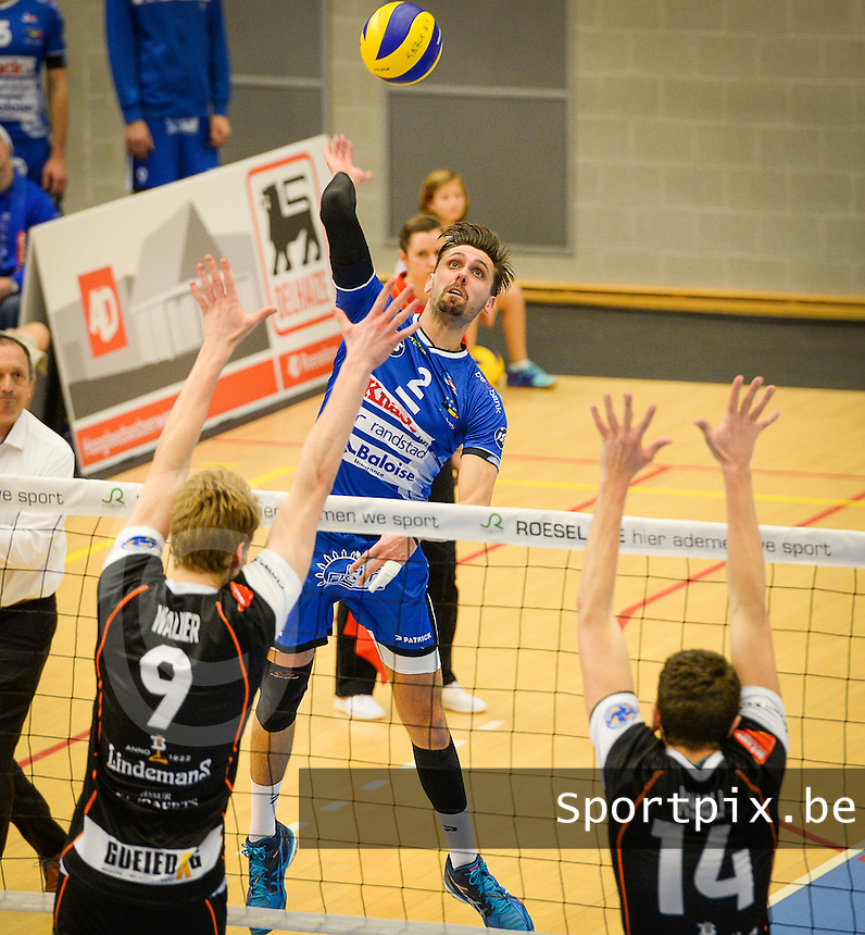 20161228 - ROESELARE ,  BELGIUM : Roeselare's Hendrik Tuerlinckx pictured in action during the second semi final in the Belgian Volley Cup between Knack Volley Roeselare and Lindemans Aalst in Roeselare , Belgium , Wednesday 28 th December 2016 . PHOTO SPORTPIX.BE   DAVID CATRY
