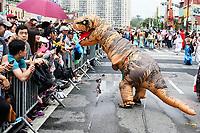 NEW YORK, EUA, 17.06.2017 - SEREIA-DESFILE - Participantes durante durante a Parada da Sereia em Coney Island no Brooklyn nos Estados Unidos neste sábado, 17. (Foto: William Volcov/Brazil Photo Press)