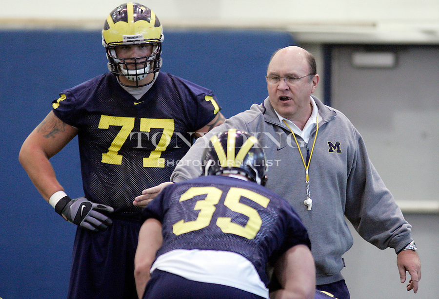 during Michigan football practice on Saturday, March 18, 2006 in Ann Arbor, MI. TONY DING/Special to the Free Press