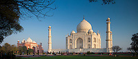 The Taj Mahal mausoleum southern view and Taj Mahal Mosque at dawn, Uttar Pradesh, India